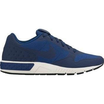 Sneakers Nike  Nightgazer LW Men's Shoe 844879 400